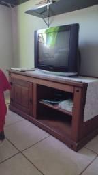 Rack e televisão