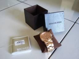 54f9c742bcc Lindo relógio Michael Kors