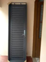 Portão, porta e cama