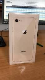 Iphone 8 gold 64gb lacrado (troco ou vendo leia anúncio)