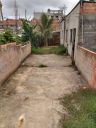 Vendo casa com terreno grande