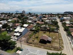 Casa com 3 dormitórios, 450m Beto Carrero e praia