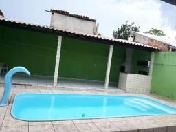 Alugo quarto em casa mobiliada com piscina