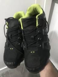 Vendo tênis Oakley Caverão tamanho 44