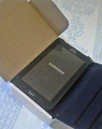Tablet Samsung semi novo na caixa