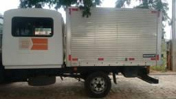 Baú e cabine de caminhão - 2011