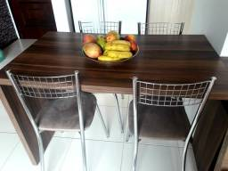 Mesa Sob Medida com 4 Cadeiras