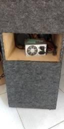Caixa de som Bob pra usar em casa com fonte aparelho tudo tocando sou de Linhares