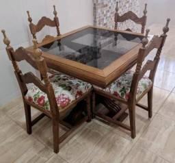 Vendo mesa madeira relíquia.