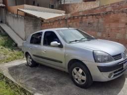 Carro Renault Clio