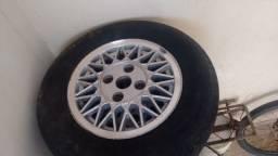 Roda Apolo 13 originais, com pneus que da para rodar!