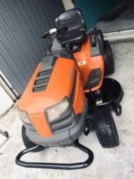 Trator cortador de grama Husqvarna LT1842
