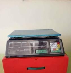 Balança eletrônica digital.pesa até 40 kg.229,00 reais. *