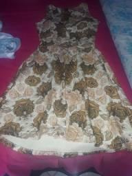 Um vestido, radadinho em perfeito estado de conservação