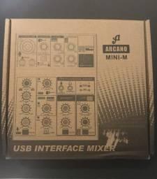 Interface e mesa de som Arcano Mini-M