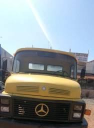 Vende - se Caminhão Mercedes Benz