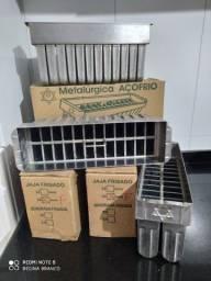 Título do anúncio: Vendo: Máquina de Sorvete e picolé