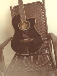 Vende-se violão