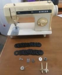 Título do anúncio: Maquina de costura singer facilit 30