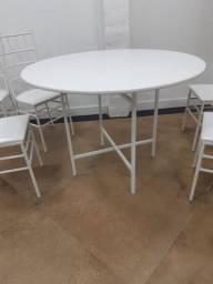 Mesas e cadeiras para buffet