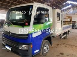 Título do anúncio: Caminhão 6160 ano 17/18 com 51 mil km rodados com cabine auxiliar para 4 passageiros