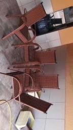 Temos cadeiras