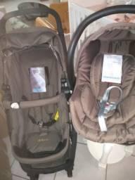 Carrinho Maly Galzerano com bebê conforto