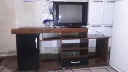 Vendo uma TV 21 polegadas com u rak