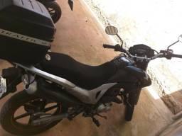 Vendo uma moto Bros 160 EDS Preta - 2014