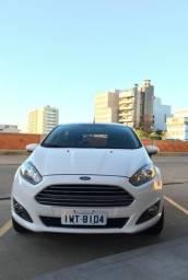 New Fiesta Hatch Seminovo - 2015