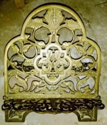 Porta bíblia em bronze e dobrável para facilitar no transporte