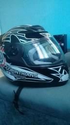 Vendo um capacete do Corinthians