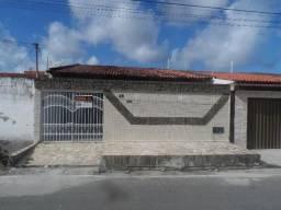 Casa à venda com 3 dormitórios cod:CA00122