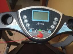 Esteira Eletrônica Dobrável Johnson Health T101 com 12 Programas e Inclinação Mecânica