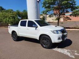 Toyota Hilux 3.0 Diesel 4x4 Automática - 2014 - 2014
