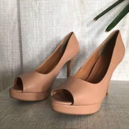 Sapato nude peep toe salto
