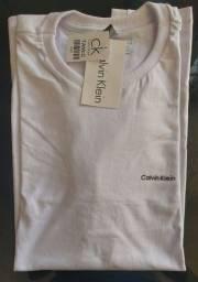 Título do anúncio: Camiseta Calvin klein e Armani