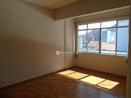 Apartamento com 3 quartos para alugar, 89 m² por R$ 1.000/mês - Centro - Juiz de Fora/MG