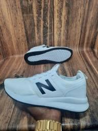 Título do anúncio: Tênis New Balance Branco/Preto 247