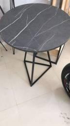 Título do anúncio: Mesa redonda em MDF. Tampo com 60 cm de diâmetro e base com 75 cm de altura