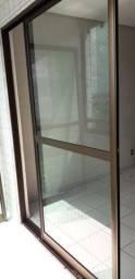 Título do anúncio: Porta corrediça vidro e alumínio