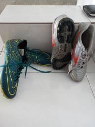 Dois tênis seminovos , Mizuno e Nike