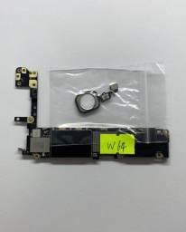 Placas completas de iPhones com botão home iCloud limpo