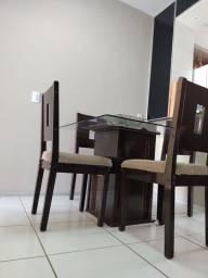 Título do anúncio: Mesa 4 cadeiras e guarda roupa.