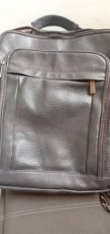 Vendo bolsa de couro masculina-Bagaggio.