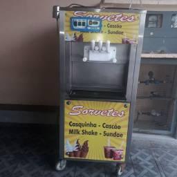 Máquina de sorvete italianinha abaixei pra vender logo