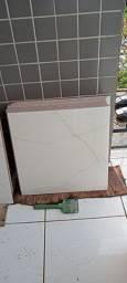 Ceramica cerbrás  polida marmorizada 56x56
