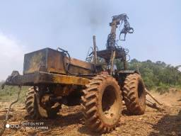 Trator Valmet 128 4x4 com implemento Motocana