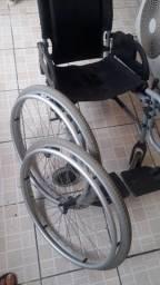 Cadeira de rodas - Desmontável e dobrável