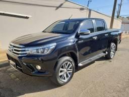 Toyota Hilux SRX 2.8 Diesel 4x4 único dono 17/17 Preta metálica